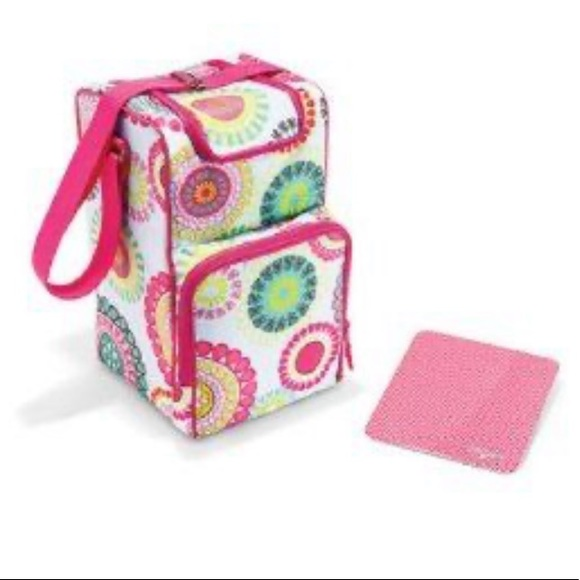 Thirty one pack and pour citrus medallion cooler